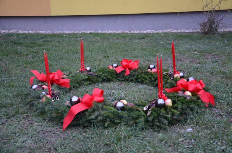 Rozsvěcení vánočního stromu -  Adventní věnec
