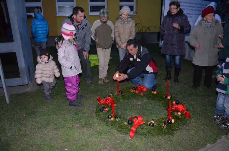Rozsvěcení vánočního stromu -  rozsvícení adventního věnce
